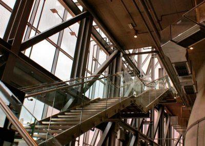 Fabricación escalera metálica de interior