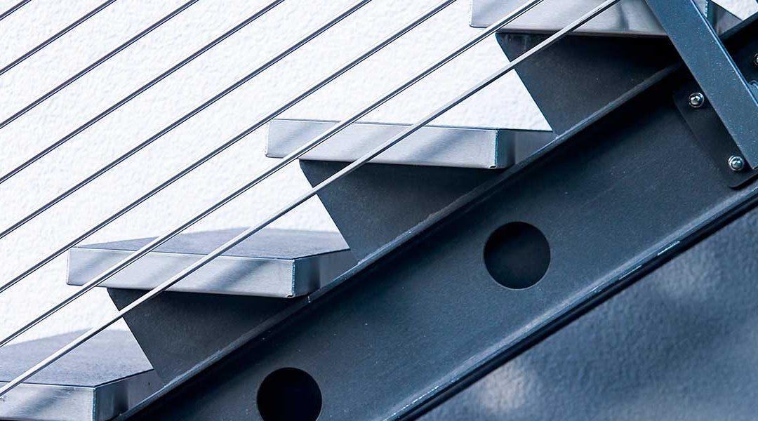 Construcción escalera exterior de acero